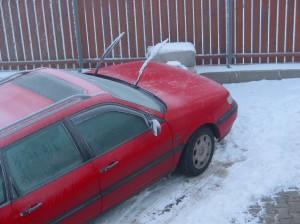 Eingefrohrenes Auto